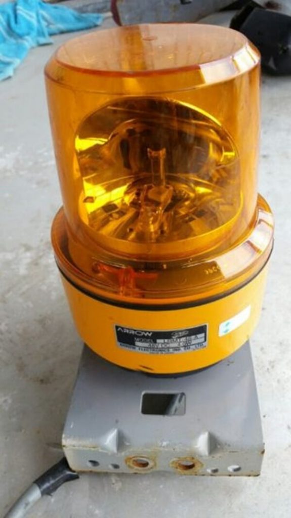 Đèn còi xe nâng